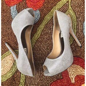 Badgley Mishcka Silver thread Peep toe shoes